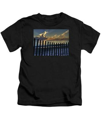 Picket Fence On The Beach Kids T-Shirt
