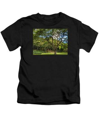 Relaxing Under The Tree Kids T-Shirt
