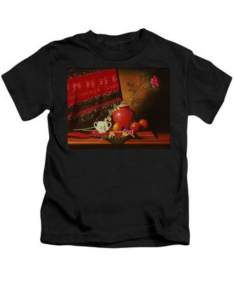 Still Life With Red Vase. Kids T-Shirt