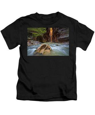 Wall Street Of The Narrows Kids T-Shirt