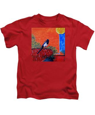 Magpie Singing At The Bath Kids T-Shirt