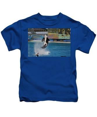 Kids T-Shirt featuring the photograph Shamu Splash by Bridgette Gomes