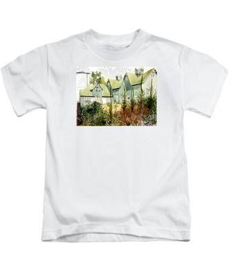 Watercolor Of An Old Wooden Barn Painted Green With Silo In The Sun Kids T-Shirt