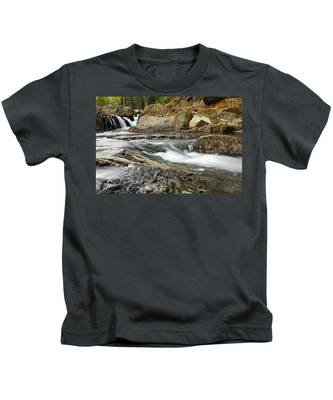 Everything Flows Kids T-Shirt