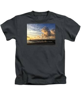 Big Cloud And The Pier, Kids T-Shirt