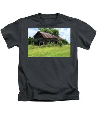 Farmhouse Abandoned Kids T-Shirt