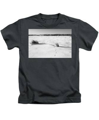 Footprints In The Snow I Kids T-Shirt
