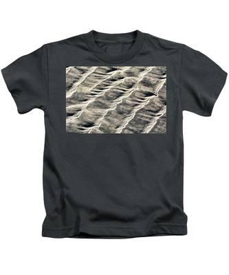 Lines On The Beach Kids T-Shirt