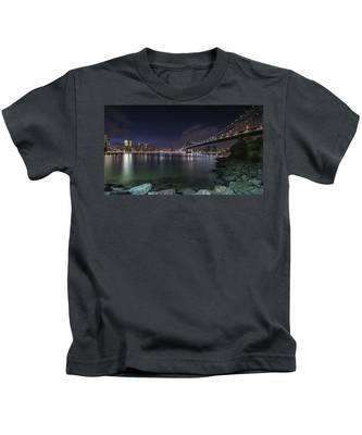 Manhattan Bridge Twinkles At Night Kids T-Shirt