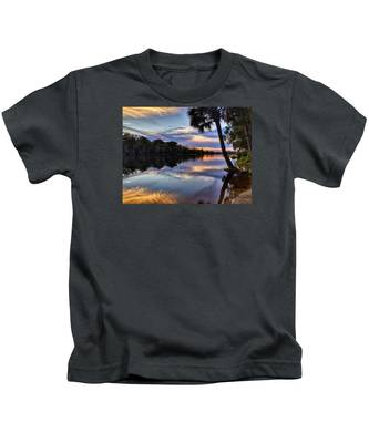 Red Tranquility  Kids T-Shirt