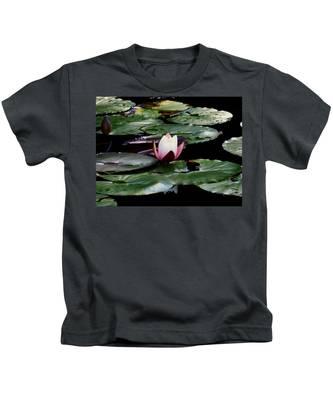 Solitary Beauty Kids T-Shirt