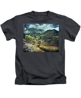 Vista View Of Cannon Mountain Kids T-Shirt