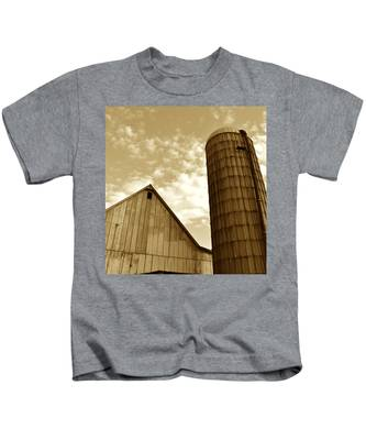 Barn And Silo In Sepia Kids T-Shirt