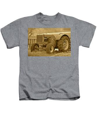 This Old Tractor Kids T-Shirt