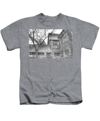 Annex At Ringwood Manor With Tree Kids T-Shirt