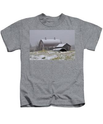 Barn In Winter Kids T-Shirt