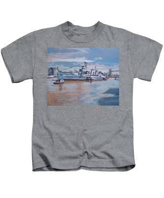 Hms Belfast Shows Off In The Sun Kids T-Shirt