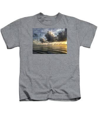 Loan Pelican Kids T-Shirt