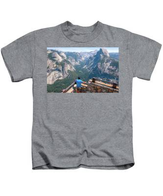Man In Awe- Kids T-Shirt