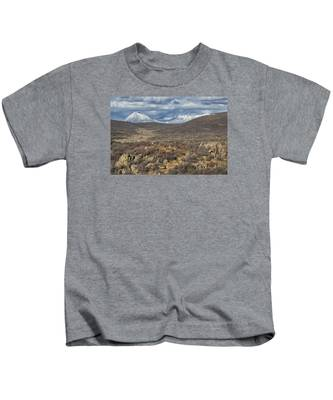 This Way To The Mountains Kids T-Shirt
