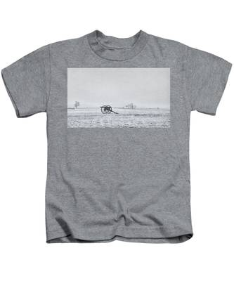 Cannon Out In The Field Kids T-Shirt