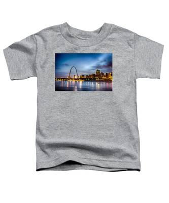 City Of St. Louis Skyline. Image Of St. Louis Downtown With Gate Toddler T-Shirt
