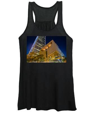 Buildings And Architecture Around Mint Museum In Charlotte North Women's Tank Top