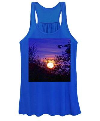Women's Tank Top featuring the photograph Full Moonrise In Gemini by Judy Kennedy