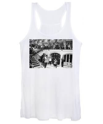 Women's Tank Top featuring the photograph Covent Garden Music by Rasma Bertz