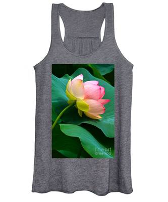 Lotus Blossom And Leaves Women's Tank Top