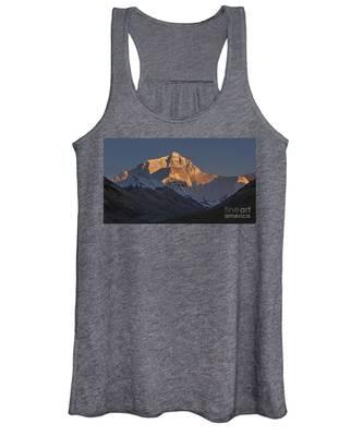 Mount Everest At Dusk Women's Tank Top