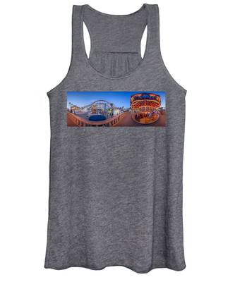 Panorama Giant Dipper Goes 360 Round And Round Women's Tank Top