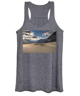 Rays On Dunes Women's Tank Top