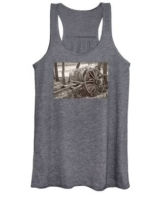 Wooden Wine Barrels On Cart Women's Tank Top