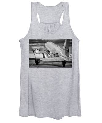 Dc3 Taxiing For Departure Women's Tank Top