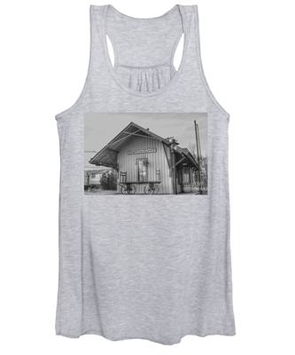 Pompton Plains Railroad Station And Baggage Cart Women's Tank Top
