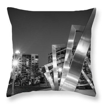Mary Bartelme Park And The Willis Tower In Black And White Throw Pillow