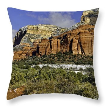 Red Rock-secret Mountain Wilderness Throw Pillow