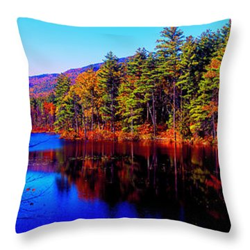 White Mountians National Park Red Eagle Pond New Hampshire Throw Pillow