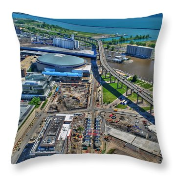 001 Visual Highs Of The Queen City Throw Pillow