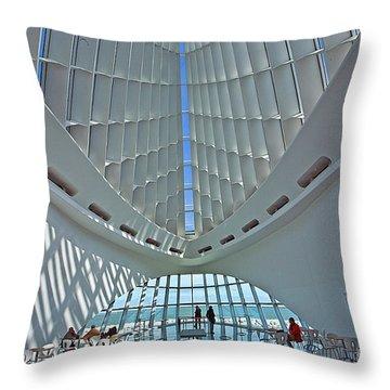 0354 Milwaukee Art Museum Throw Pillow