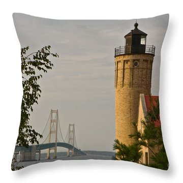 0558 Old Mackinac Point Lighthouse Throw Pillow