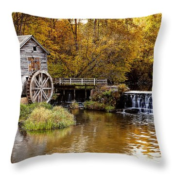 0722 Hyde's Mill Throw Pillow