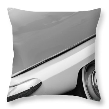 Nash Metropolitan Throw Pillows