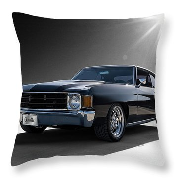 '72 Chevelle Throw Pillow