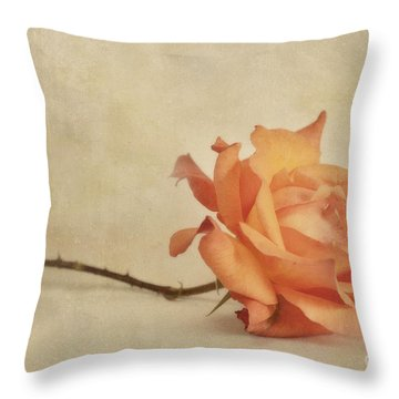 Bellezza Throw Pillow