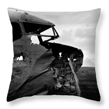 Dc 3 Iceland Throw Pillow by Gunnar Orn Arnason