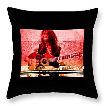 Estas Tonne Throw Pillow