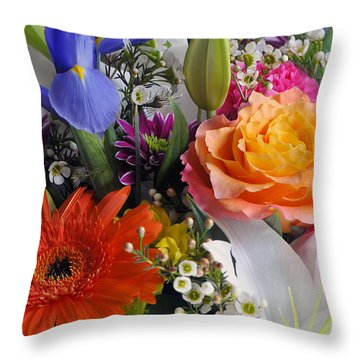 Floral Bouquet 5 Throw Pillow