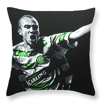 Henrik Larsson - Celtic Fc Throw Pillow